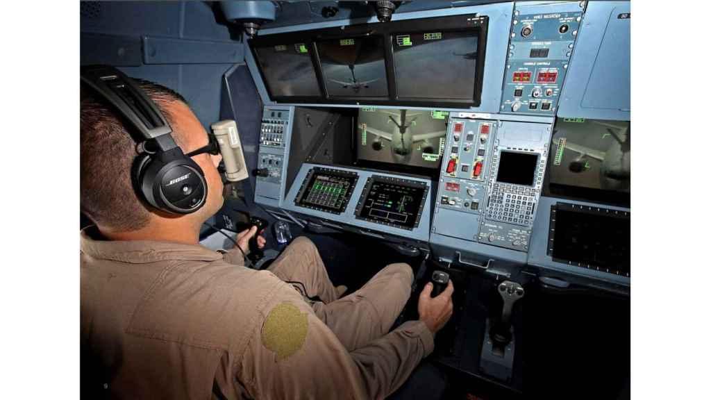 Panel de mandos del operario de la lanza