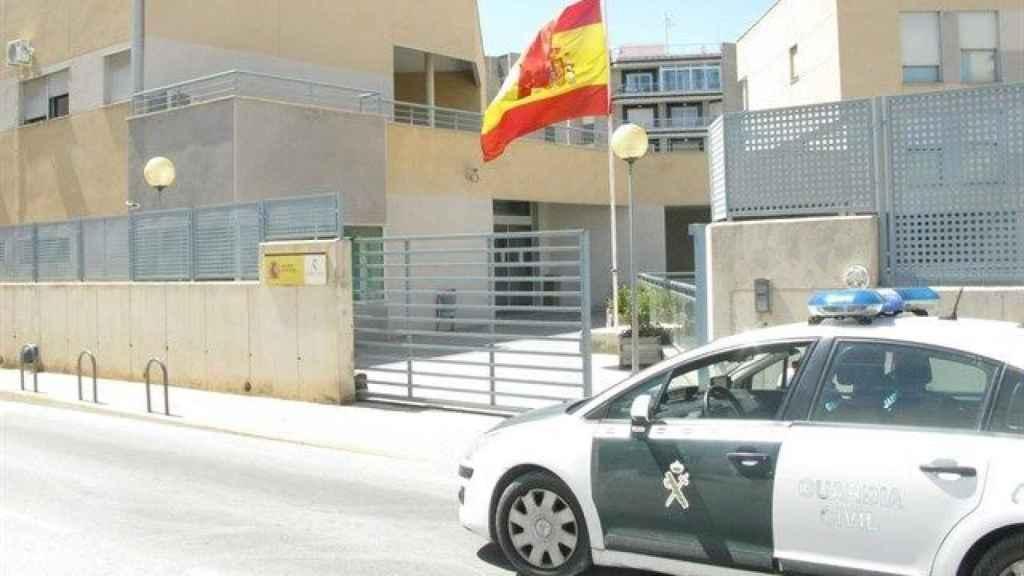 Puesto de la Guardia Civil de Santa Pola donde se presentó la denuncia.