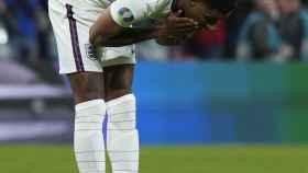 Marcus Rashford se lamenta tras fallar un penalti en la final de la Eurocopa 2020