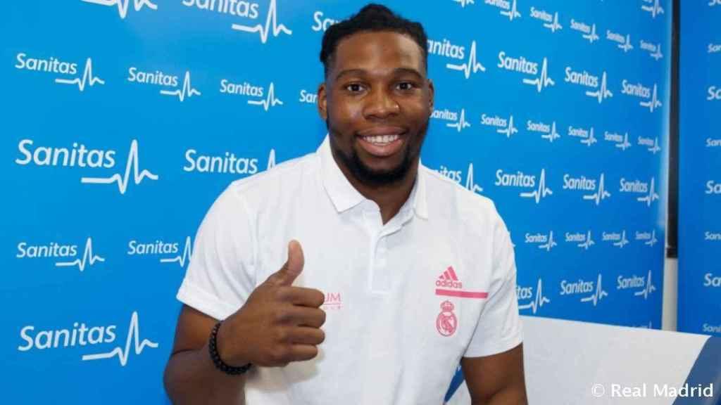 Yabusele tras pasar reconocimiento medico el Real Madrid