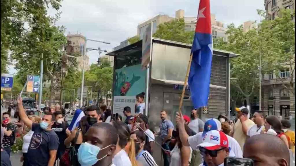 Manifestación ayer en Barcelona, frente al Consulado de Cuba