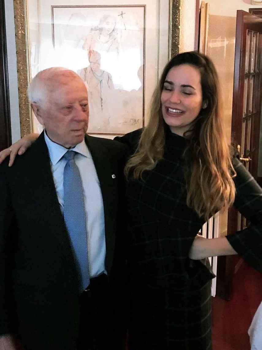 Carolina Monje se ha querido despedir de su adorado abuelo con varias publicaciones en Instagram.
