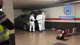 Policía Nacional registrando el coche de 'El chule'. Foto: Policía Nacional