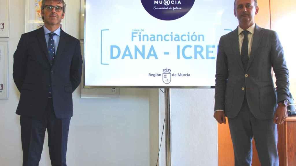Luis Aberto Marín, secretario de Hacienda, con el todavía consejero, Javier Celdrán.
