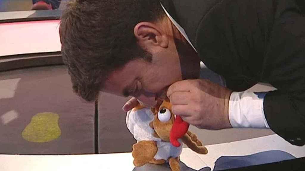 Arturo Valls con la gallina de '¡Ahora caigo!'