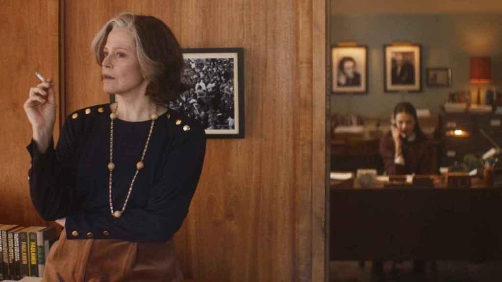Sigourney Weaver y Margaret Qualley.