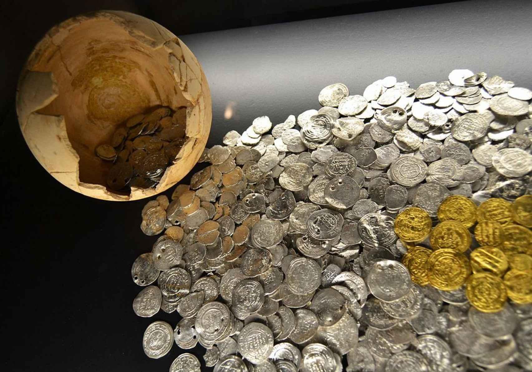 Imagen del llamado 'tesoro de la Avenida de la Constitución de Valencia', expuesto en el Museo de Historia de la ciudad.