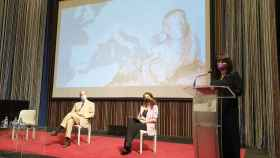 Julia Parra, en la presentación en el Istituto Italiano di Cultura presentando la exposición etrusca.