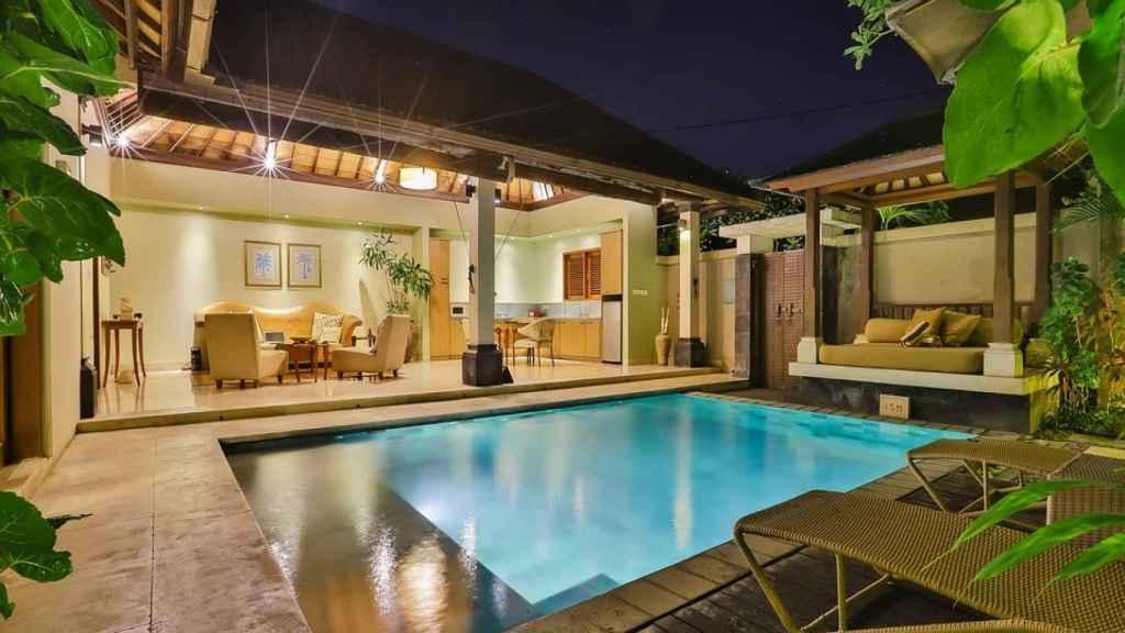 Todas tienen en común piscina, terraza, jardín y un mínimo de tres dormitorios.