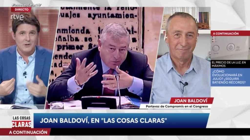 Jesús Cintora, el único que se atreve en TVE a recordar los contratos de la pública con José Luis Moreno