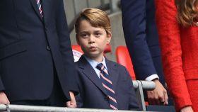 El notable cambio que experimentará el príncipe George al cumplir los ocho años