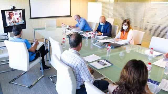 Reunión de la Mesa Sectorial de las Instituciones Sanitarias del SESCAM (Foto: JCCM)