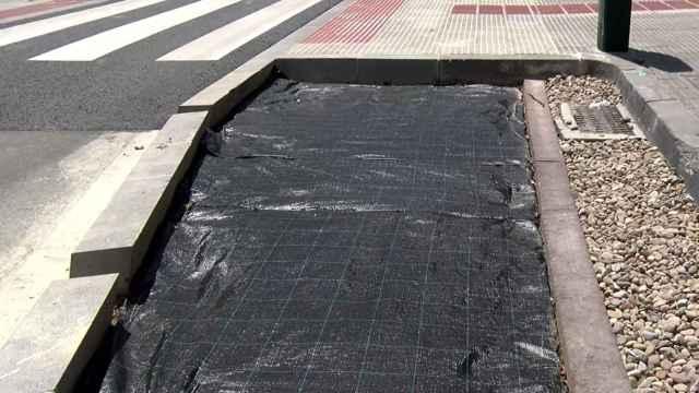 El paso de cebra permeable creado por el Ayuntamiento de Pamplona.