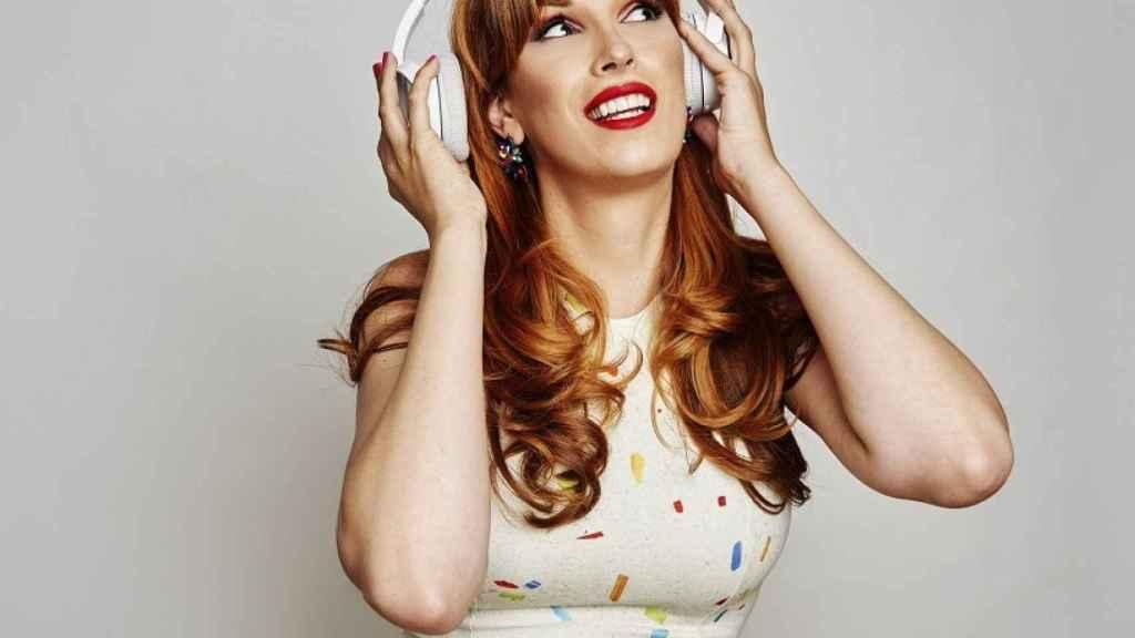 La escritora Valeria Vegas presenta ahora su podcast 'Orgullo'