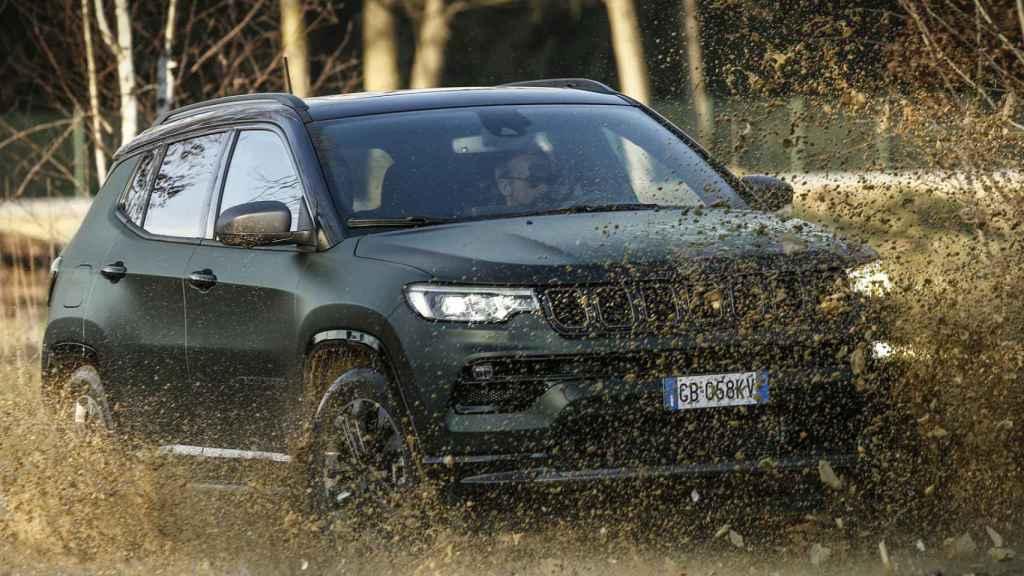 El Jeep Compass 4xe combina los mejor de un SUV con la eficiencia de conducir en eléctrico.