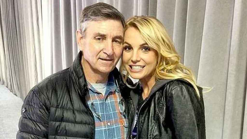 Britney, with her father, in an image of her social networks.