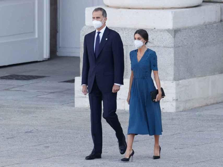 Letizia ha optado por el vestido de Bottega Venta que ha llevado en varias ocasiones.