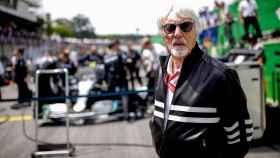 Ecclestone antes de una carrera de Fórmula 1