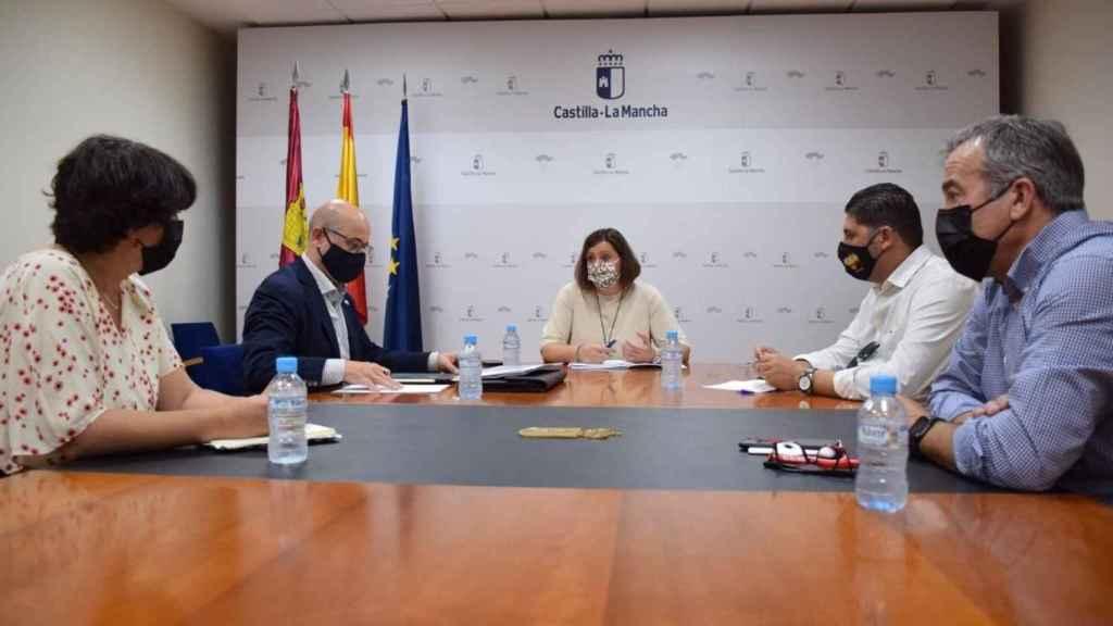 Una imagen de la reunión publicada por la Junta de Comunidades de Castilla-La Mancha