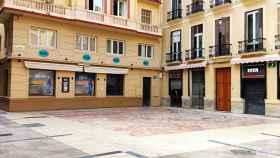 Locales de copas en la Plaza Mitjana.