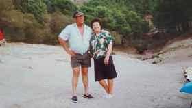 Manuel García y su mujer, Encarna, fundadores de La Isla, en el pantano del Chorro.