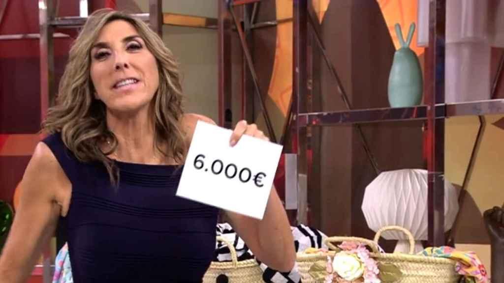 """Paz Padilla se equivoca de cesta y entrega un premio menor en 'Sálvame': """"¡Esta no!"""""""