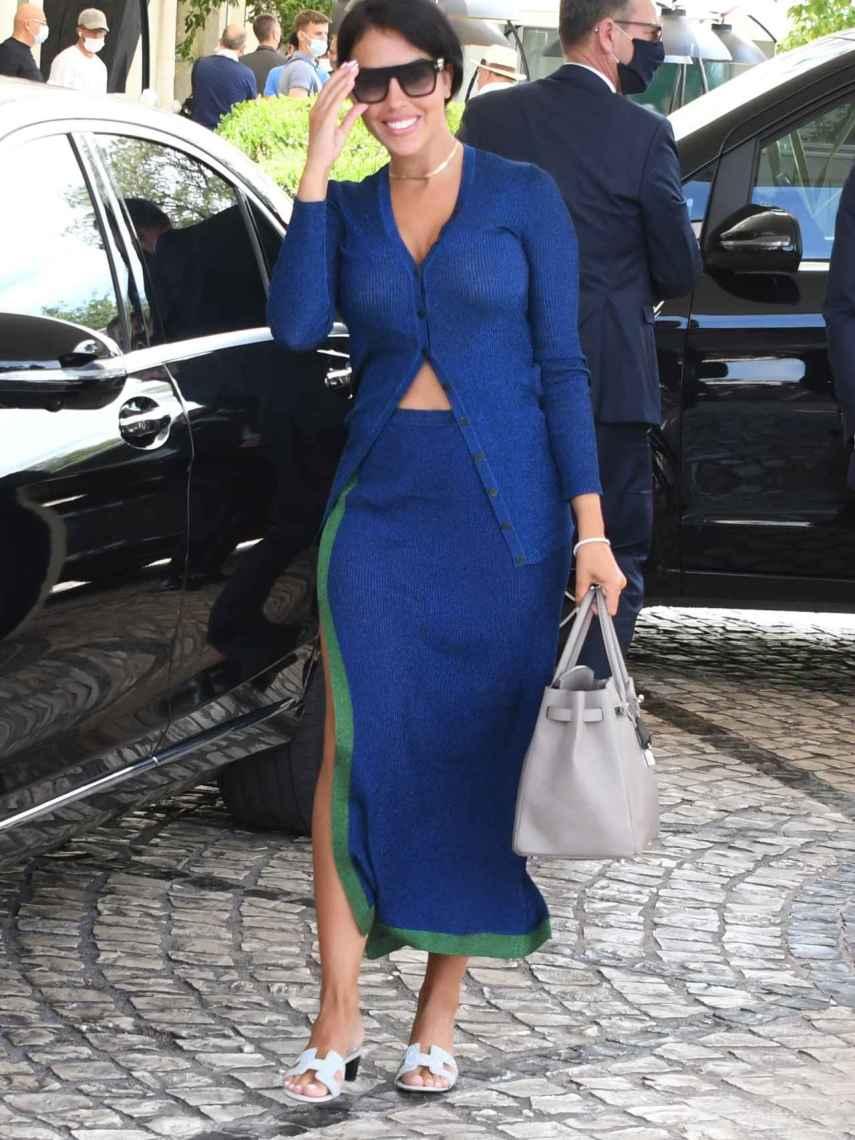 Georgina en su llegada a Cannes.