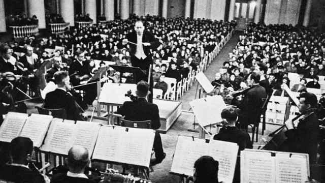 Dmitri Shostakóvich durante un concierto