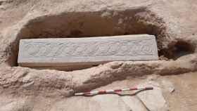 El sarcófago visigodo hallado en Los Villaricos.