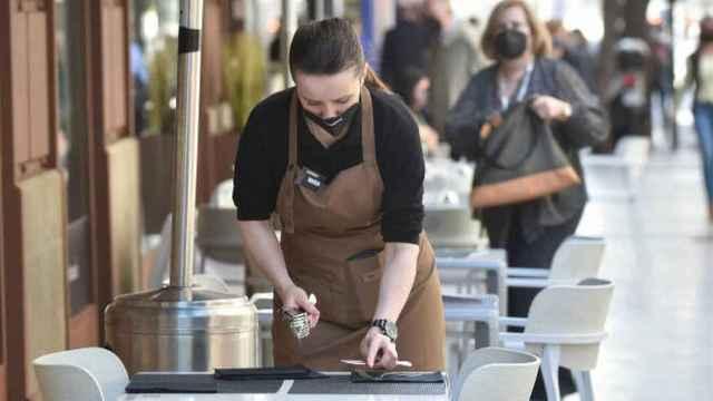 Una camarera, en imagen de archivo.