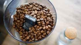 Consigue los mejores cafés en casa con estos molinillos de café