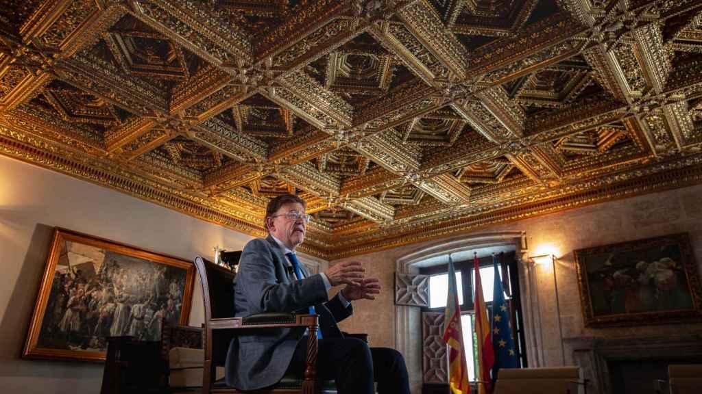Ximo Puig, en el Salón Dorado del Palau de la Generalitat Valenciana.