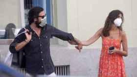 Sara Carbonero, de compras por Madrid con un amigo (Foto: Europa Press)