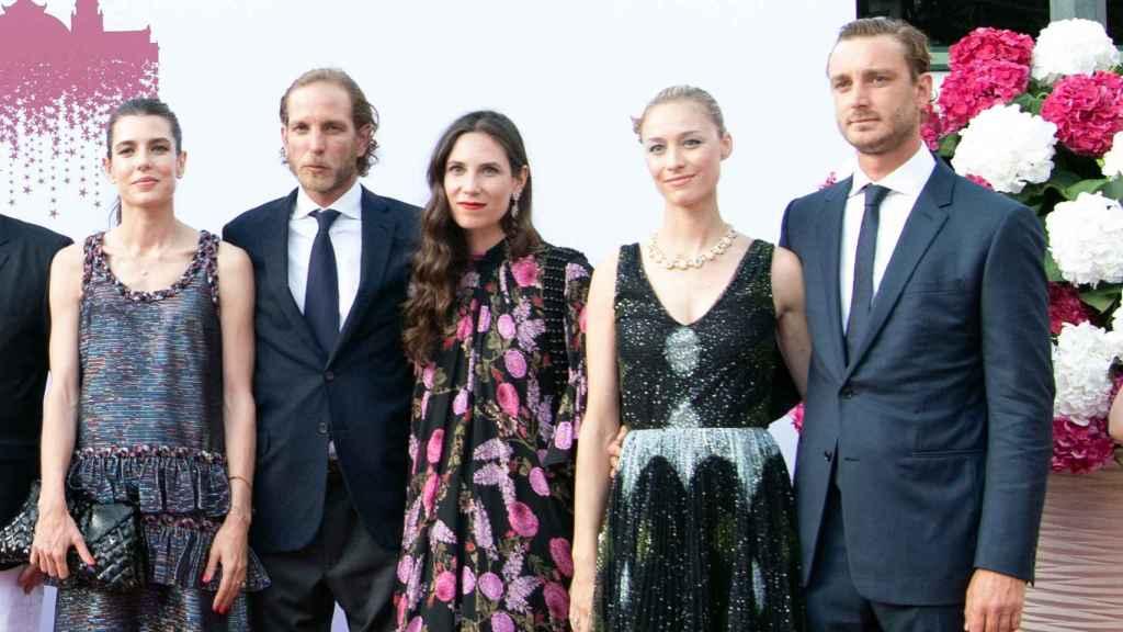 Carlota, Andrea y Pierre, junto a las esposas de estos, Tatiana Santo Domingo y Beatrice Borromeo.