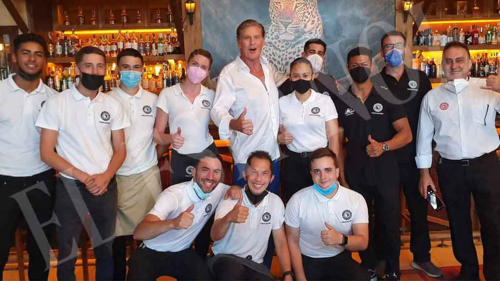 David Hasselhoff posing with some of the 'Trocadero Arena' workers.