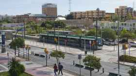 El Metro de Málaga, a su paso por el tramo en superficie de la Universidad.
