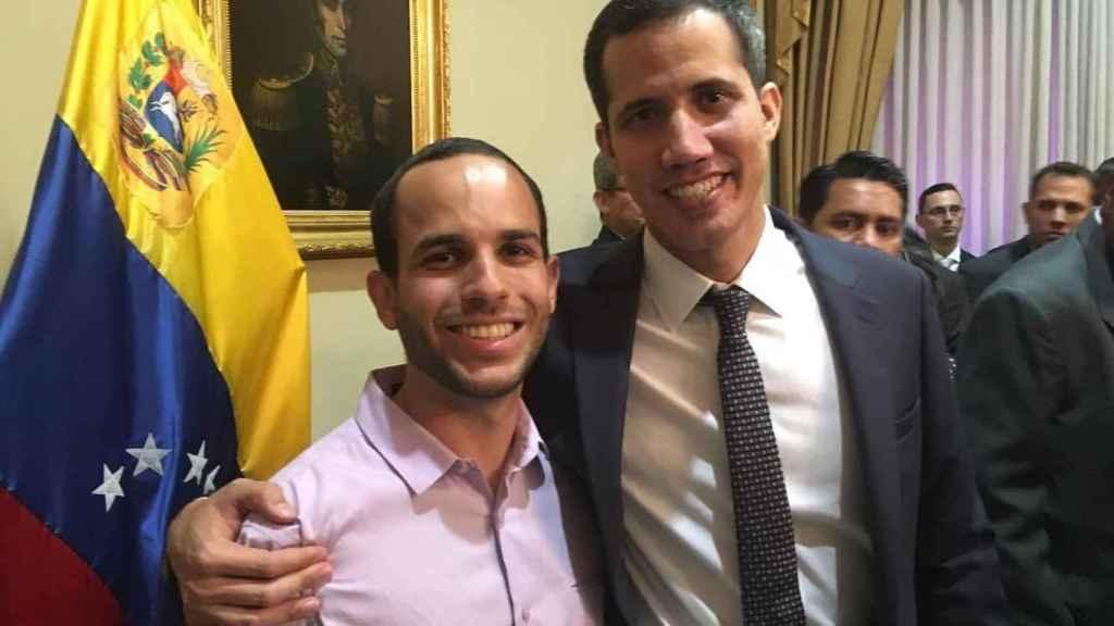 Hasler Iglesias junto a Juan Guaidó en enero de 2019.