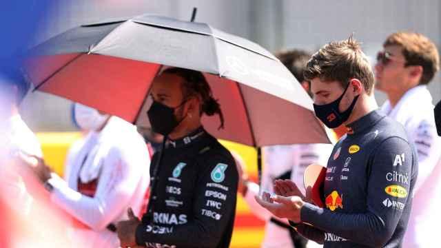 Max Verstappen y Lewis Hamilton en Silverstone