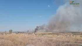 Medios aéreos y terrestres trabajan en un incendio en San Martín de Montalbán (Toledo)