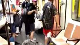 Captura del vídeo original del joven tras agredir a un sanitario en el Metro de Madrid.