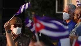 Raúl Castro (izda.) y Miguel Díaz-Canel (dcha.) en una manifestación celebrada este sábado en La Habana.