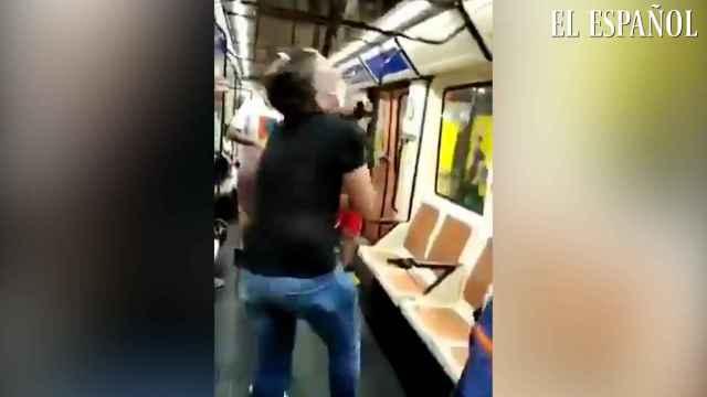Buscan al individuo que atacó con un punzón a un pasajero del Metro