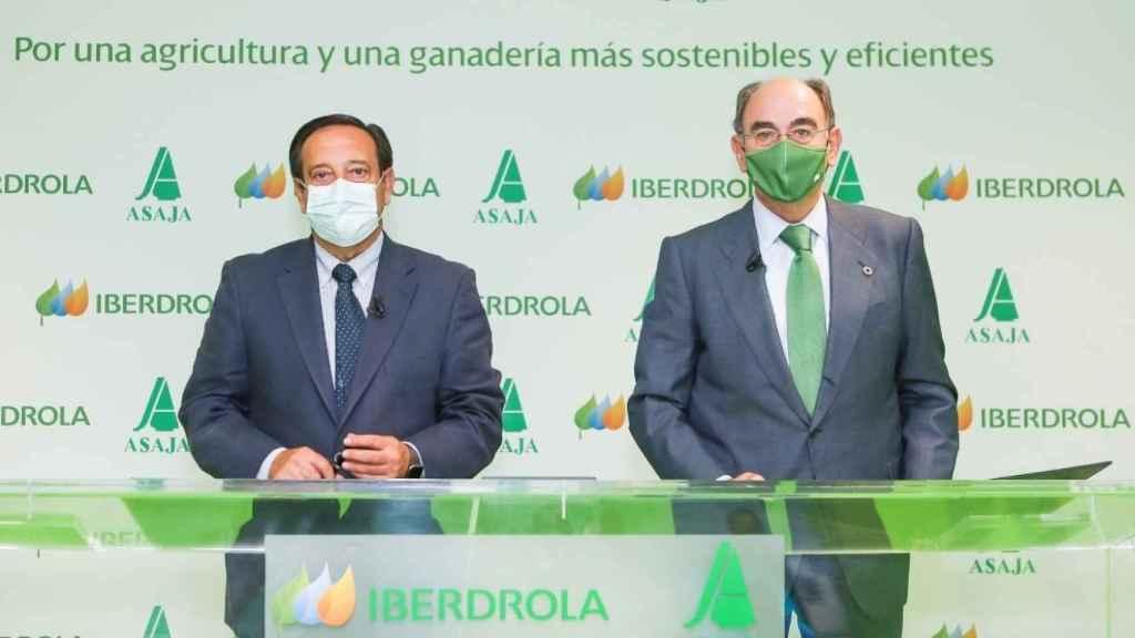 Pedro Barato e Ignacio Galán han firmado un convenio de colaboración en materia de energía
