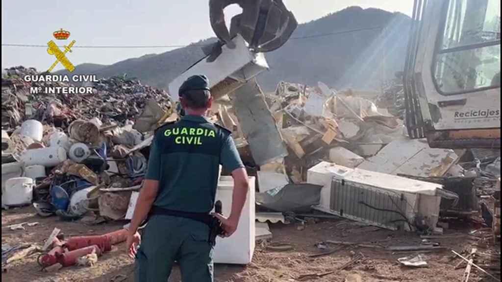Material incautado por la Guardia Civil en la operación 'Redivivu'.