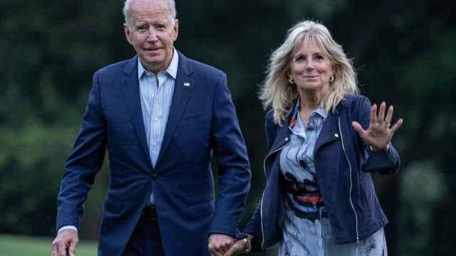 Joe y Jill Biden llegando a la Casa Blanca.