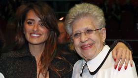 Penélope Cruz junto a Pilar Bardem.