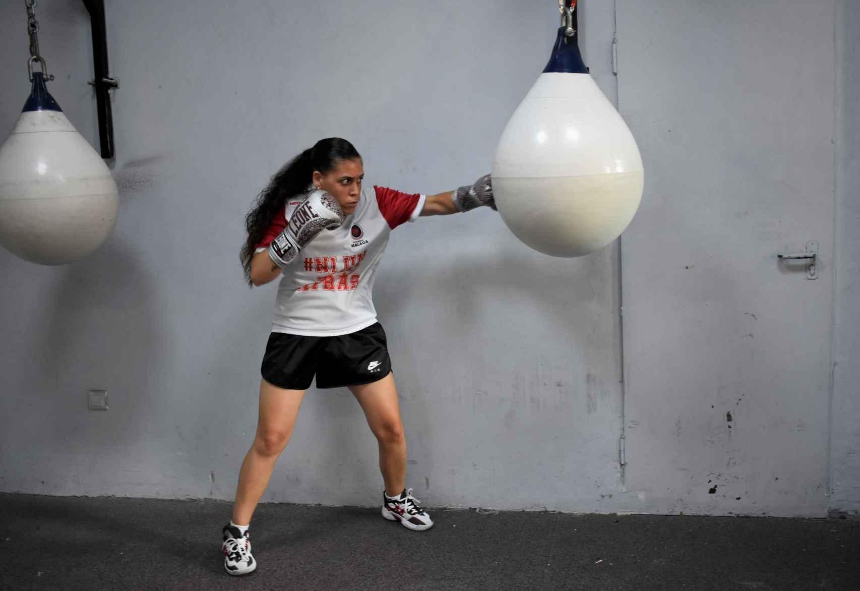 Una de las boxeadoras de la asociación.