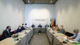 Andalucía propondrá al TSJ el toque de queda para municipios con una tasa superior a 1.000