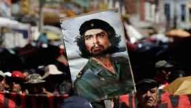 Imagen del Che Guevara durante una manifestación en Bolivia.