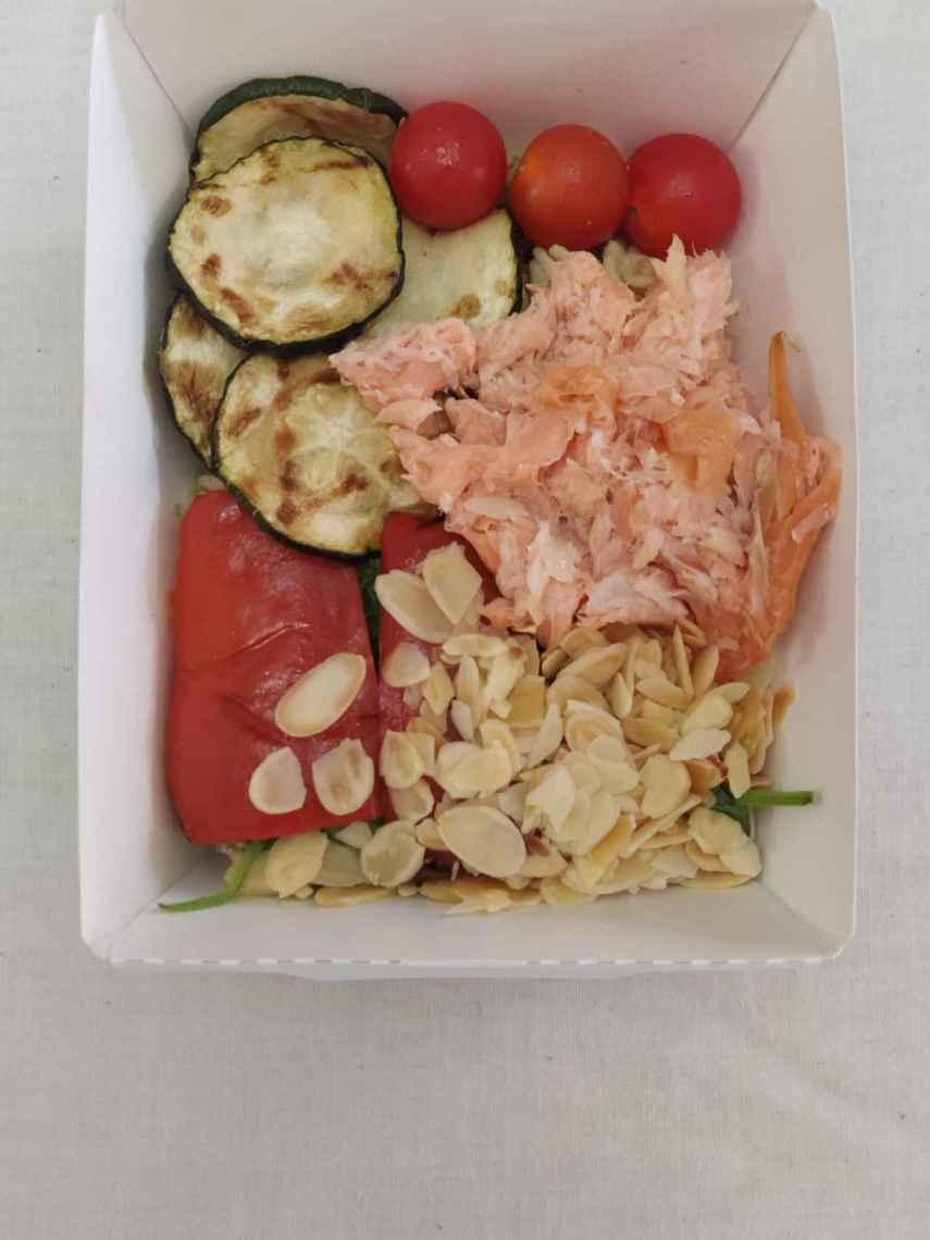 La ensalada de salmón con salsa tártara de Mercadona.